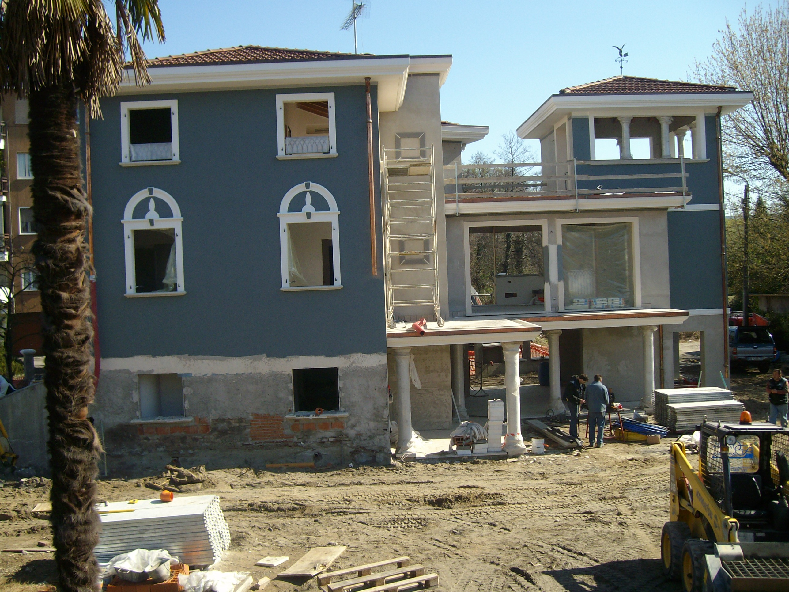 Ristrutturazione e ampliamento di una villa sul lago
