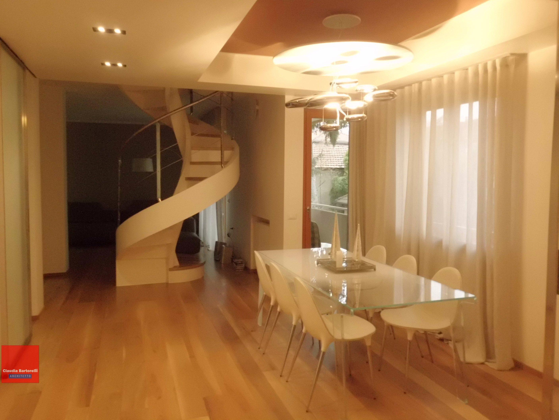 Luminoso e moderno: due appartamenti diventano uno, e si rinnovano completamente